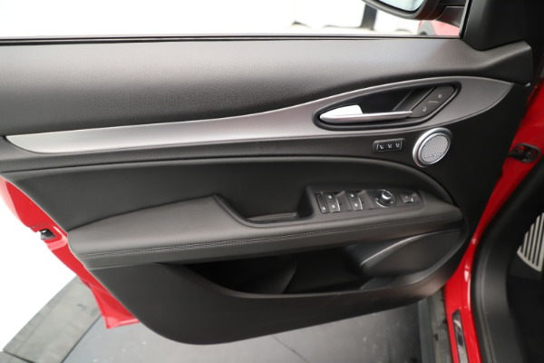 New 2019 Alfa Romeo Stelvio Ti Sport Q4 for sale Sold at Aston Martin of Greenwich in Greenwich CT 06830 17
