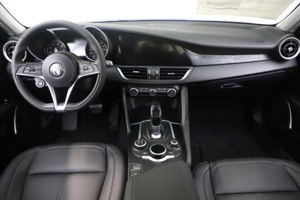 New 2019 Alfa Romeo Giulia Q4 for sale Sold at Aston Martin of Greenwich in Greenwich CT 06830 16