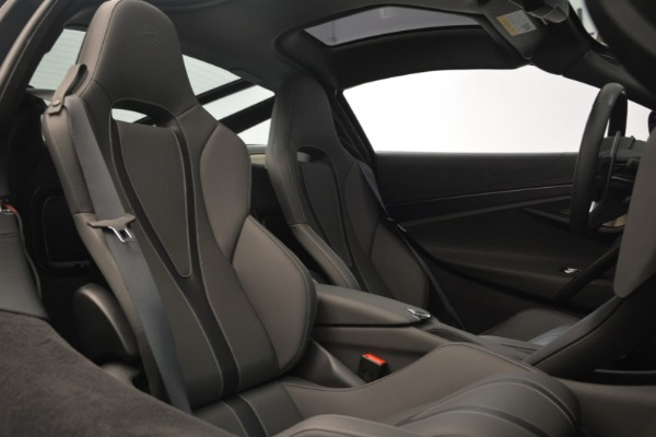 Used 2018 McLaren 720S for sale $269,900 at Aston Martin of Greenwich in Greenwich CT 06830 19