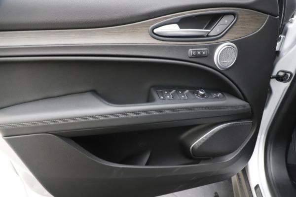 New 2019 Alfa Romeo Stelvio Ti Q4 for sale Sold at Aston Martin of Greenwich in Greenwich CT 06830 17