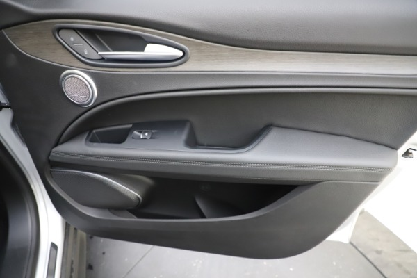 New 2019 Alfa Romeo Stelvio Ti Q4 for sale Sold at Aston Martin of Greenwich in Greenwich CT 06830 25