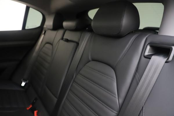New 2019 Alfa Romeo Stelvio Ti Lusso Q4 for sale Sold at Aston Martin of Greenwich in Greenwich CT 06830 18
