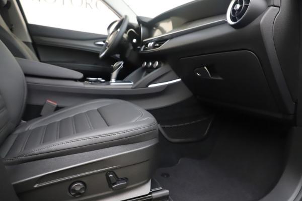 New 2019 Alfa Romeo Stelvio Ti Lusso Q4 for sale Sold at Aston Martin of Greenwich in Greenwich CT 06830 23
