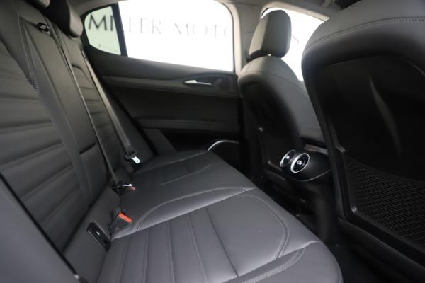 New 2019 Alfa Romeo Stelvio Ti Lusso Q4 for sale Sold at Aston Martin of Greenwich in Greenwich CT 06830 27