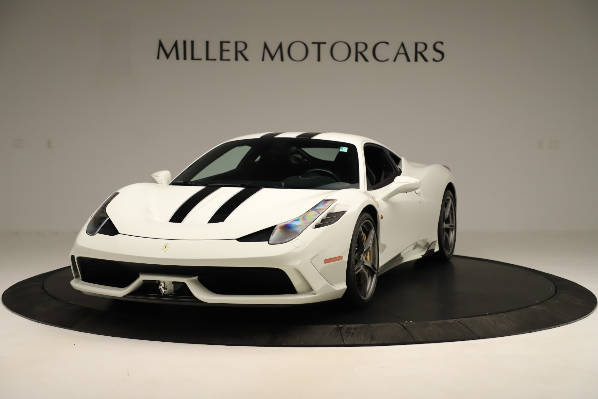 Used 2014 Ferrari 458 Speciale for sale $359,900 at Aston Martin of Greenwich in Greenwich CT 06830 1