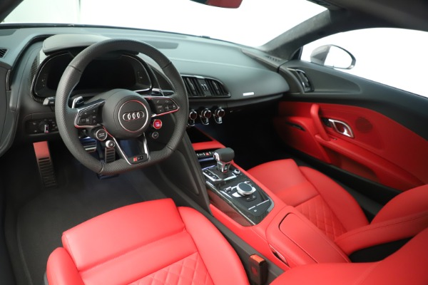 Used 2018 Audi R8 5.2 quattro V10 Plus for sale Sold at Aston Martin of Greenwich in Greenwich CT 06830 14