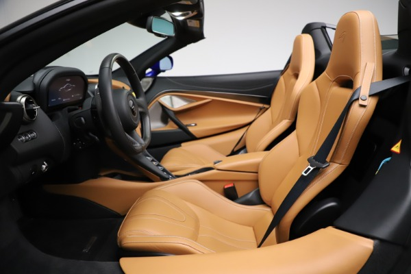 New 2020 McLaren 720S SPIDER Convertible for sale $374,830 at Aston Martin of Greenwich in Greenwich CT 06830 23