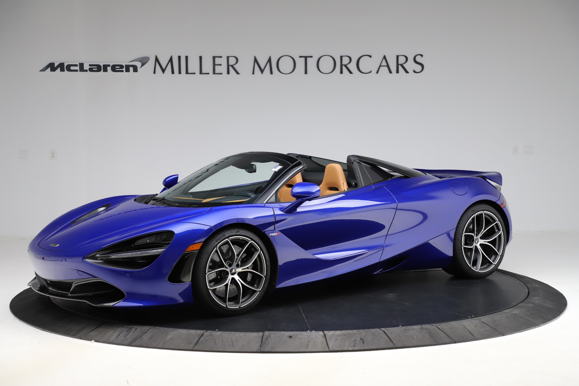 New 2020 McLaren 720S SPIDER Convertible for sale $374,830 at Aston Martin of Greenwich in Greenwich CT 06830 1