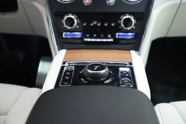 New 2019 Rolls-Royce Cullinan for sale Sold at Aston Martin of Greenwich in Greenwich CT 06830 25