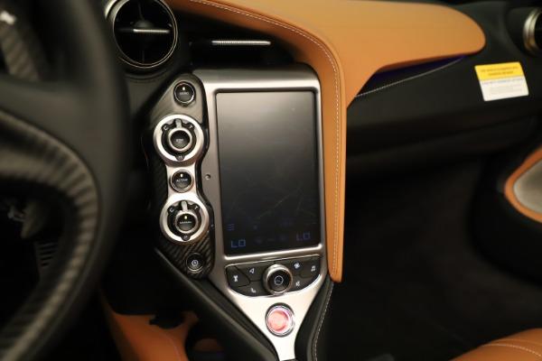 New 2020 McLaren 720S Spider Luxury for sale $372,250 at Aston Martin of Greenwich in Greenwich CT 06830 11