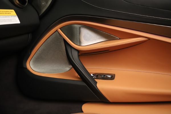 New 2020 McLaren 720S Spider Luxury for sale $372,250 at Aston Martin of Greenwich in Greenwich CT 06830 12