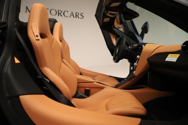 New 2020 McLaren 720S Spider Luxury for sale $372,250 at Aston Martin of Greenwich in Greenwich CT 06830 14