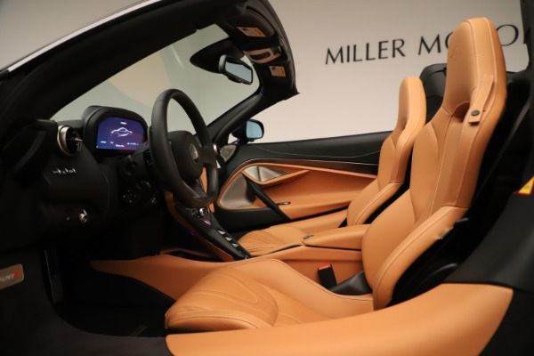 New 2020 McLaren 720S Spider Convertible for sale $372,250 at Aston Martin of Greenwich in Greenwich CT 06830 17