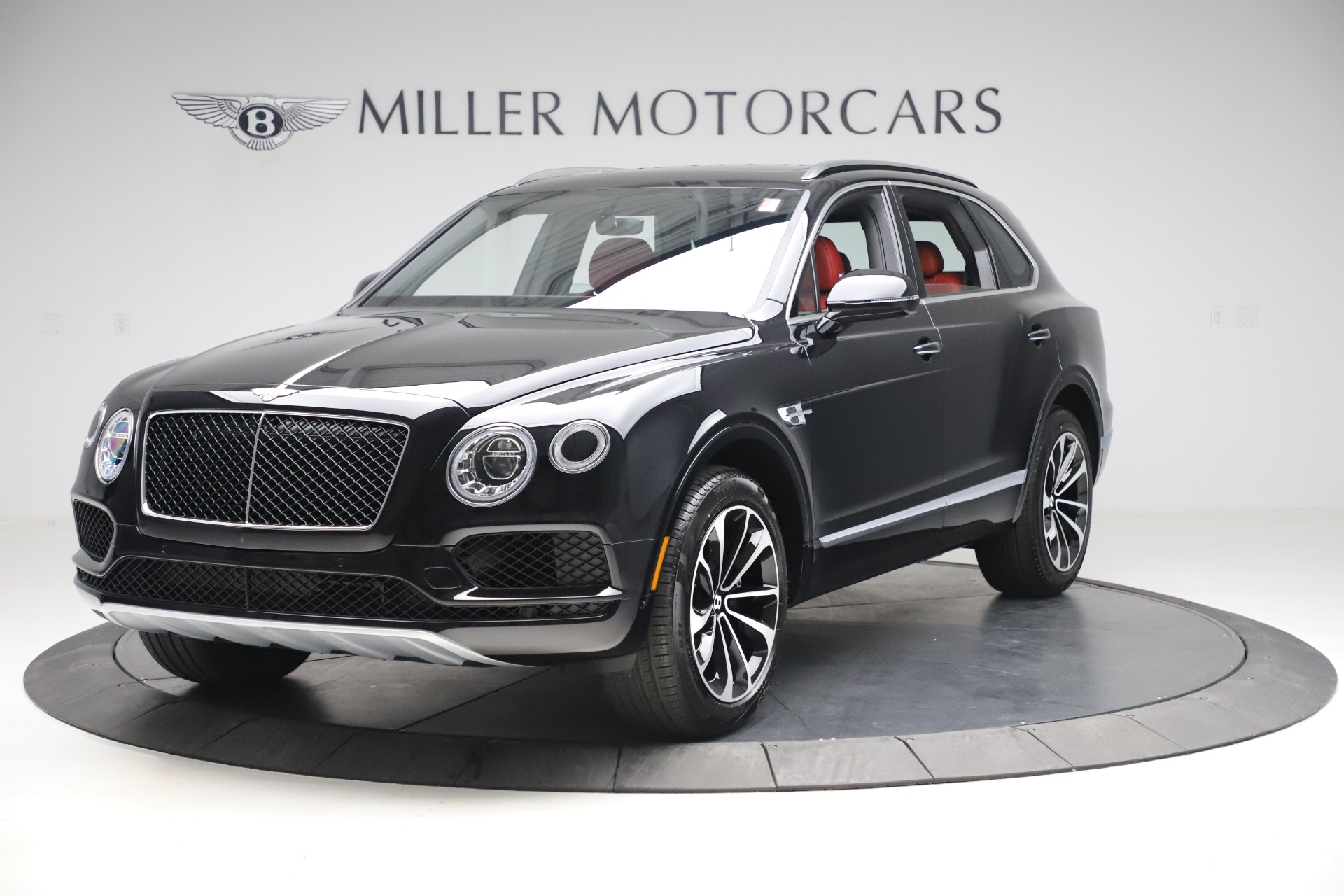 New 2020 Bentley Bentayga V8 for sale $181,250 at Aston Martin of Greenwich in Greenwich CT 06830 1