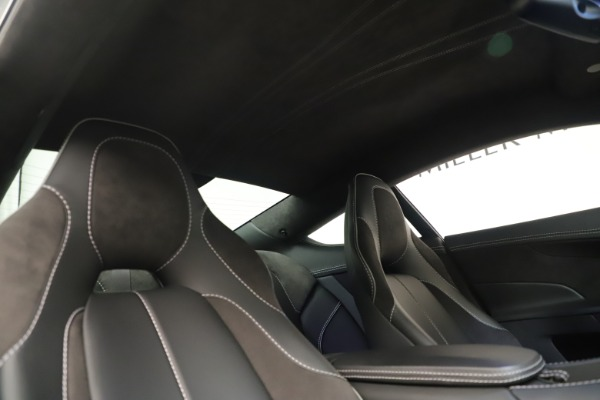 Used 2014 Aston Martin Vanquish Coupe for sale $119,900 at Aston Martin of Greenwich in Greenwich CT 06830 18