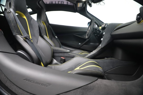 New 2019 McLaren 720S Coupe for sale Sold at Aston Martin of Greenwich in Greenwich CT 06830 22