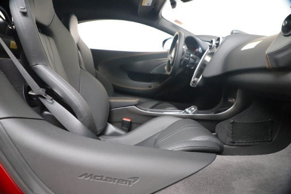 Used 2019 McLaren 600LT Luxury for sale $239,990 at Aston Martin of Greenwich in Greenwich CT 06830 27