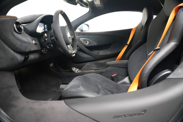 New 2019 McLaren 600LT Coupe for sale $311,619 at Aston Martin of Greenwich in Greenwich CT 06830 19