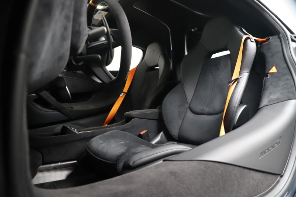 New 2019 McLaren 600LT for sale $311,619 at Aston Martin of Greenwich in Greenwich CT 06830 20