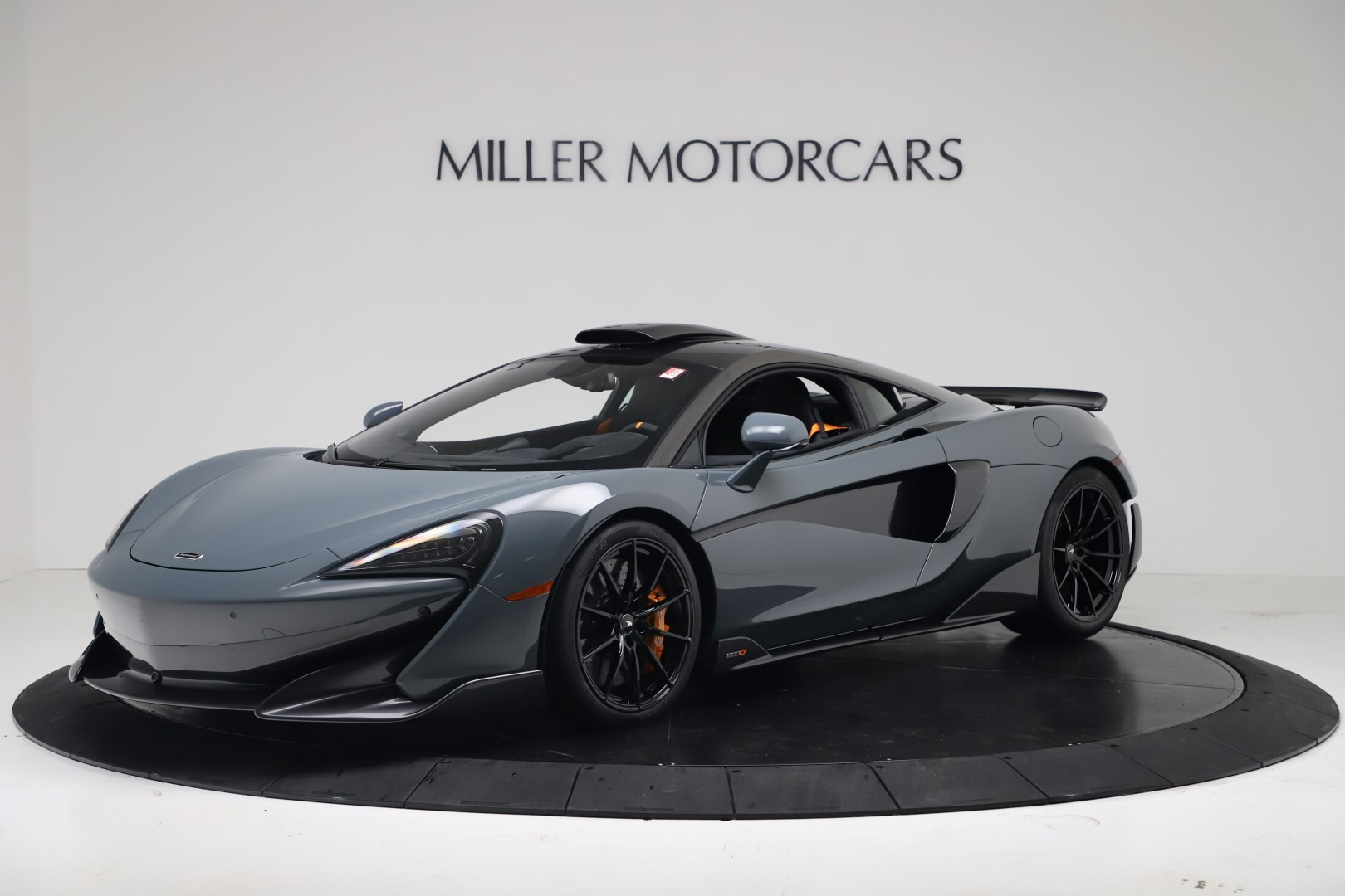New 2019 McLaren 600LT for sale $311,619 at Aston Martin of Greenwich in Greenwich CT 06830 1