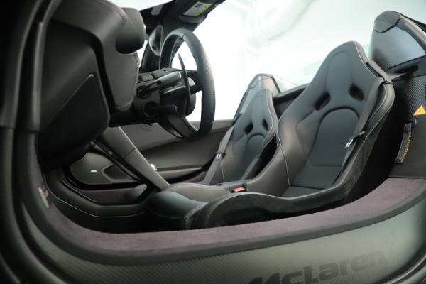 Used 2016 McLaren 675LT Convertible for sale Sold at Aston Martin of Greenwich in Greenwich CT 06830 22