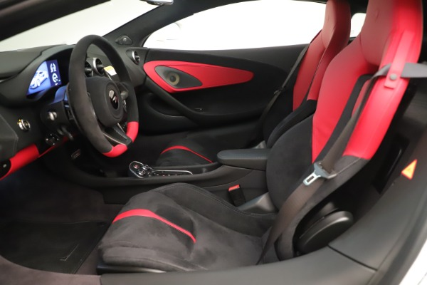 New 2020 McLaren 570S Coupe for sale $215,600 at Aston Martin of Greenwich in Greenwich CT 06830 17