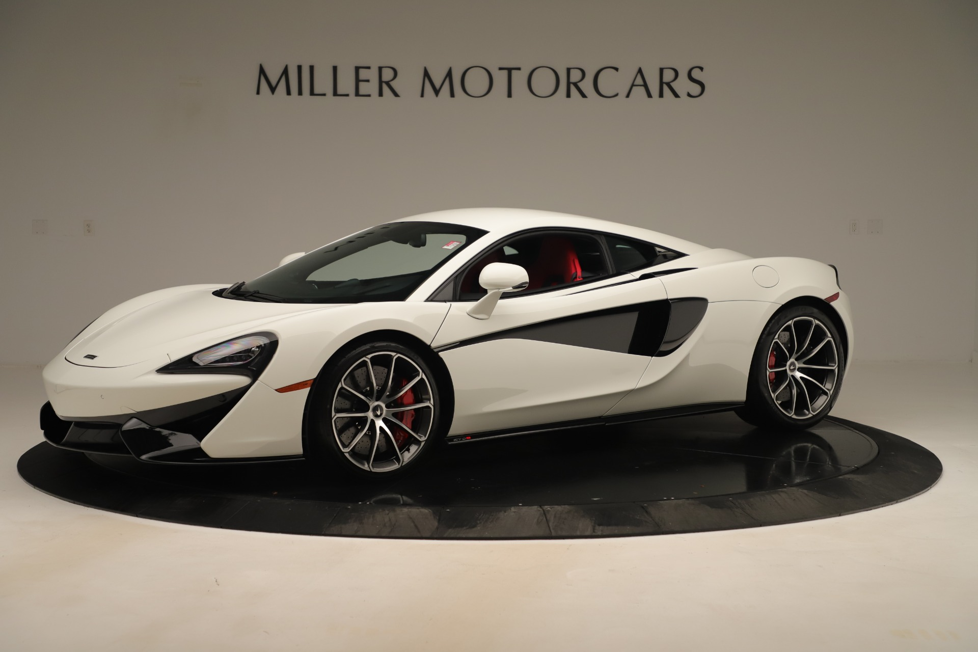 New 2020 McLaren 570S Coupe for sale $215,600 at Aston Martin of Greenwich in Greenwich CT 06830 1