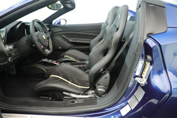 Used 2018 Ferrari 488 Spider for sale $289,900 at Aston Martin of Greenwich in Greenwich CT 06830 20