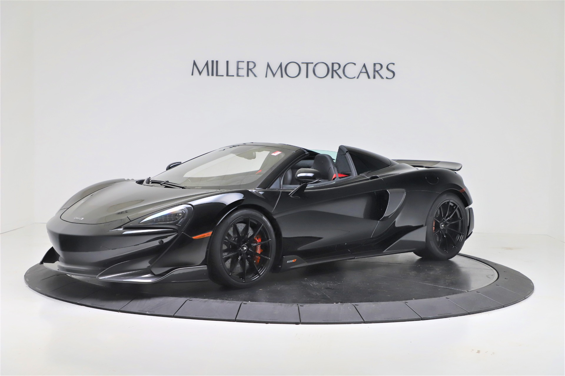 Used 2020 McLaren 600LT Spider for sale $249,900 at Aston Martin of Greenwich in Greenwich CT 06830 1