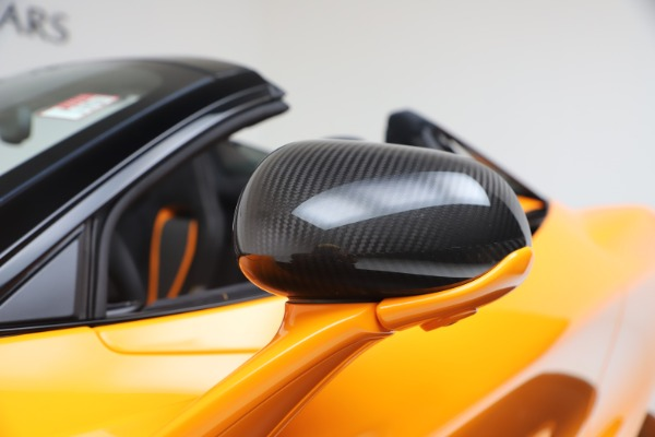 New 2020 McLaren 720S Spider Convertible for sale $374,440 at Aston Martin of Greenwich in Greenwich CT 06830 22
