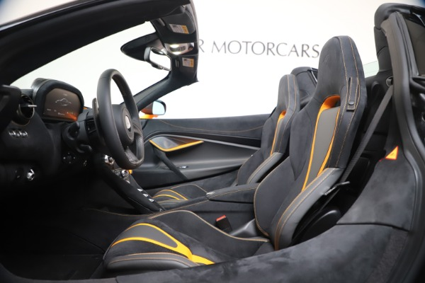 New 2020 McLaren 720S Spider Convertible for sale $374,440 at Aston Martin of Greenwich in Greenwich CT 06830 25