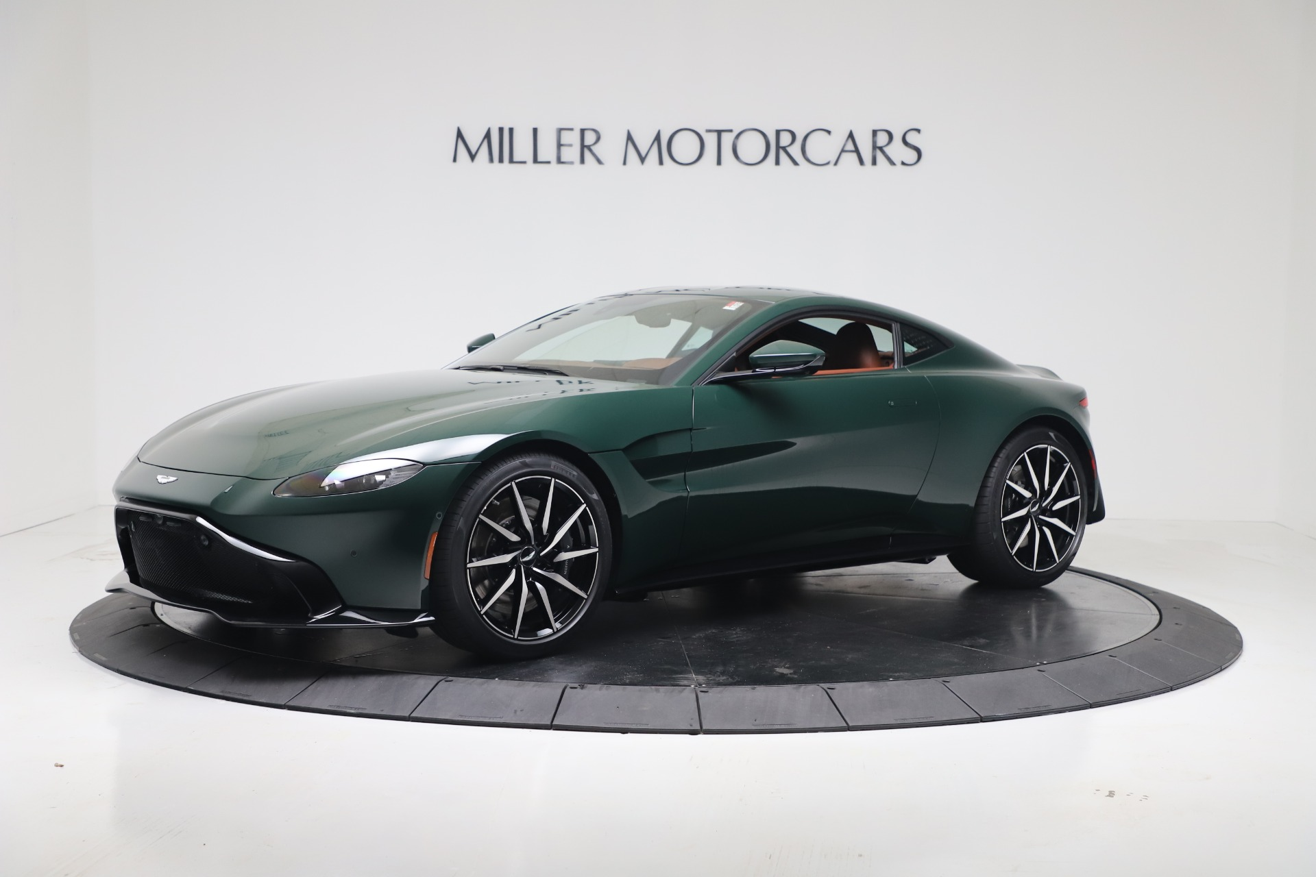 New 2020 Aston Martin Vantage Coupe for sale $191,684 at Aston Martin of Greenwich in Greenwich CT 06830 1