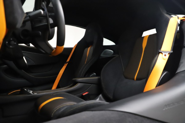 Used 2017 McLaren 570S Coupe for sale $161,900 at Aston Martin of Greenwich in Greenwich CT 06830 18