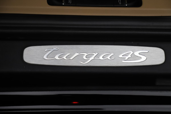 Used 2016 Porsche 911 Targa 4S for sale Sold at Aston Martin of Greenwich in Greenwich CT 06830 23
