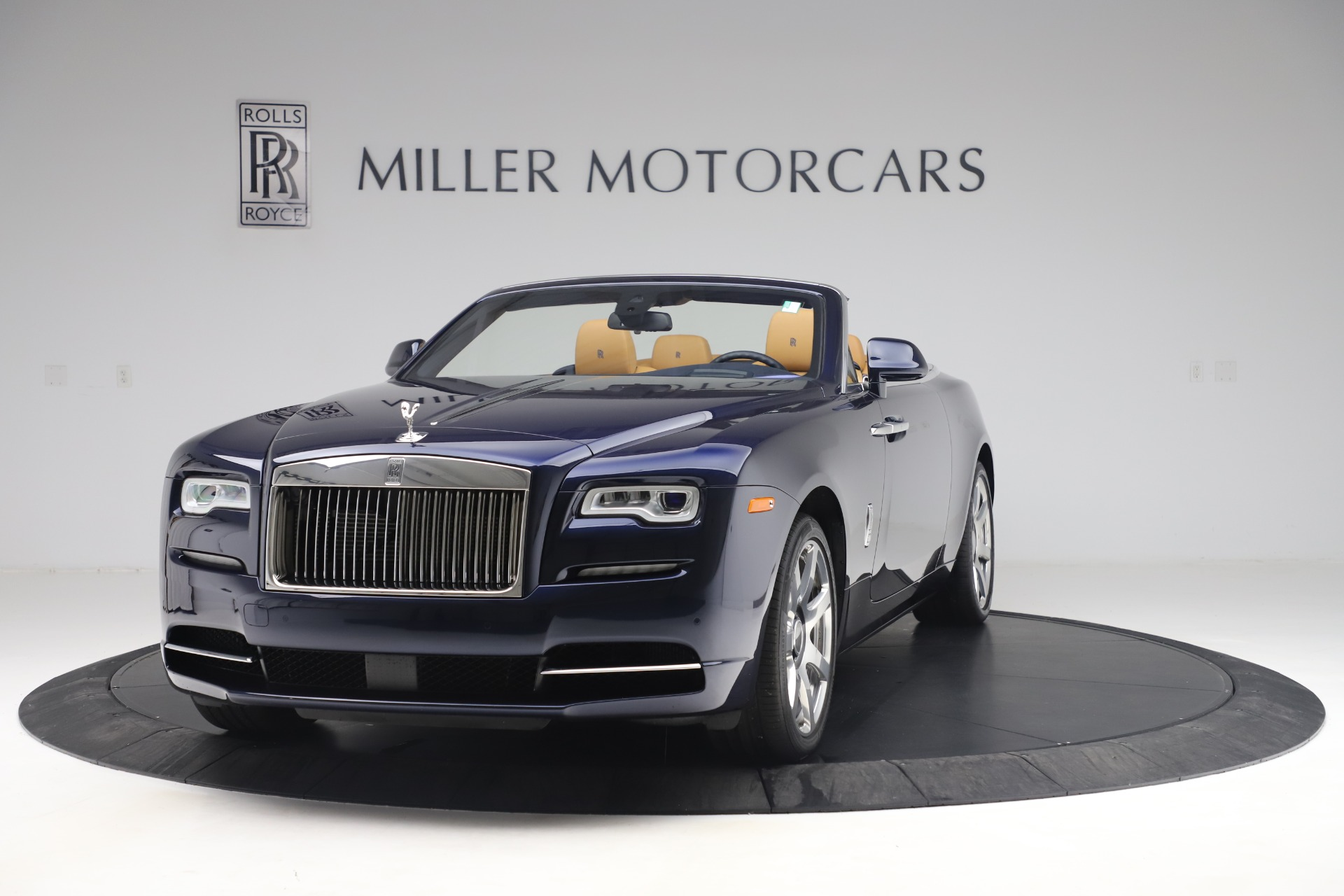 Used 2017 Rolls-Royce Dawn for sale $265,900 at Aston Martin of Greenwich in Greenwich CT 06830 1