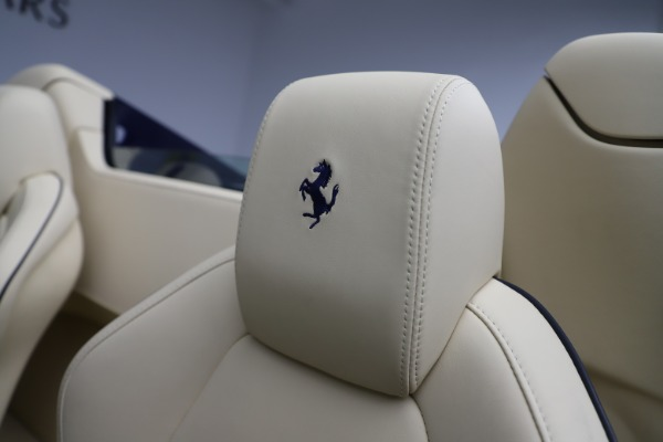 Used 2013 Ferrari 458 Spider for sale Sold at Aston Martin of Greenwich in Greenwich CT 06830 27