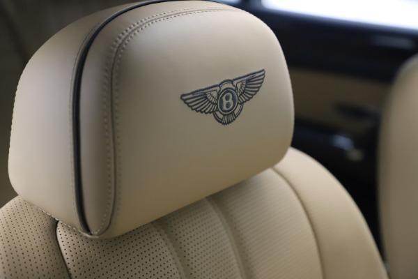 Used 2016 Bentley Flying Spur V8 for sale Call for price at Aston Martin of Greenwich in Greenwich CT 06830 27