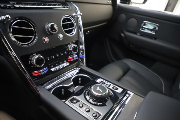 New 2020 Rolls-Royce Cullinan for sale Sold at Aston Martin of Greenwich in Greenwich CT 06830 17