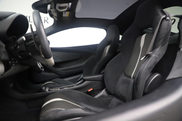 Used 2017 McLaren 570GT Coupe for sale $149,900 at Aston Martin of Greenwich in Greenwich CT 06830 16