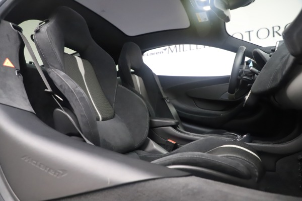 Used 2017 McLaren 570GT Coupe for sale $149,900 at Aston Martin of Greenwich in Greenwich CT 06830 21