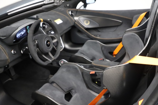 Used 2020 McLaren 600LT SPIDER Convertible for sale $249,900 at Aston Martin of Greenwich in Greenwich CT 06830 22