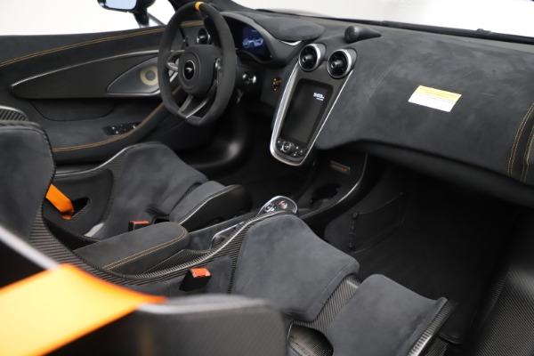 Used 2020 McLaren 600LT SPIDER Convertible for sale $249,900 at Aston Martin of Greenwich in Greenwich CT 06830 26