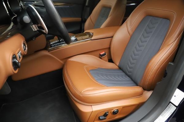 Used 2017 Maserati Quattroporte S Q4 GranLusso for sale Sold at Aston Martin of Greenwich in Greenwich CT 06830 15