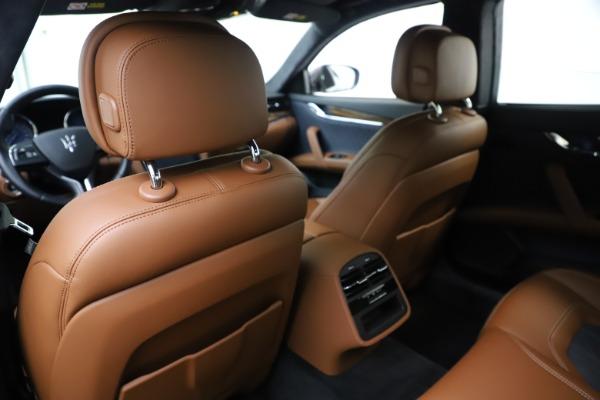 Used 2017 Maserati Quattroporte S Q4 GranLusso for sale Sold at Aston Martin of Greenwich in Greenwich CT 06830 20