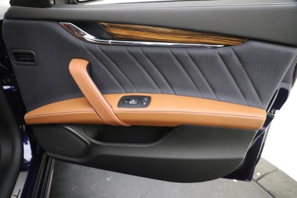 Used 2017 Maserati Quattroporte S Q4 GranLusso for sale Sold at Aston Martin of Greenwich in Greenwich CT 06830 25