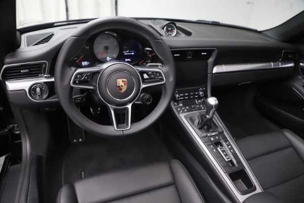 Used 2017 Porsche 911 Carrera 4S for sale $109,900 at Aston Martin of Greenwich in Greenwich CT 06830 18