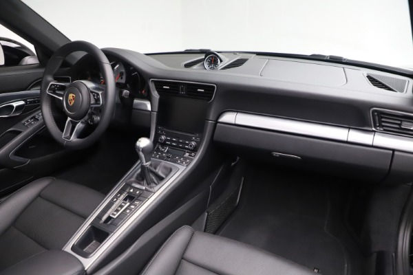 Used 2017 Porsche 911 Carrera 4S for sale $109,900 at Aston Martin of Greenwich in Greenwich CT 06830 24