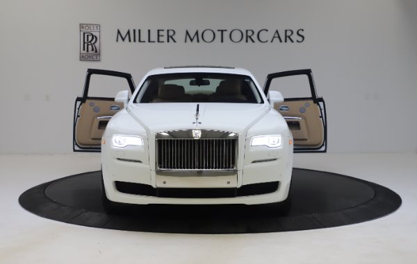 Used 2015 Rolls-Royce Ghost for sale $166,900 at Aston Martin of Greenwich in Greenwich CT 06830 13
