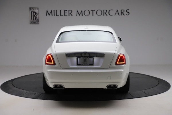 Used 2015 Rolls-Royce Ghost for sale $166,900 at Aston Martin of Greenwich in Greenwich CT 06830 7