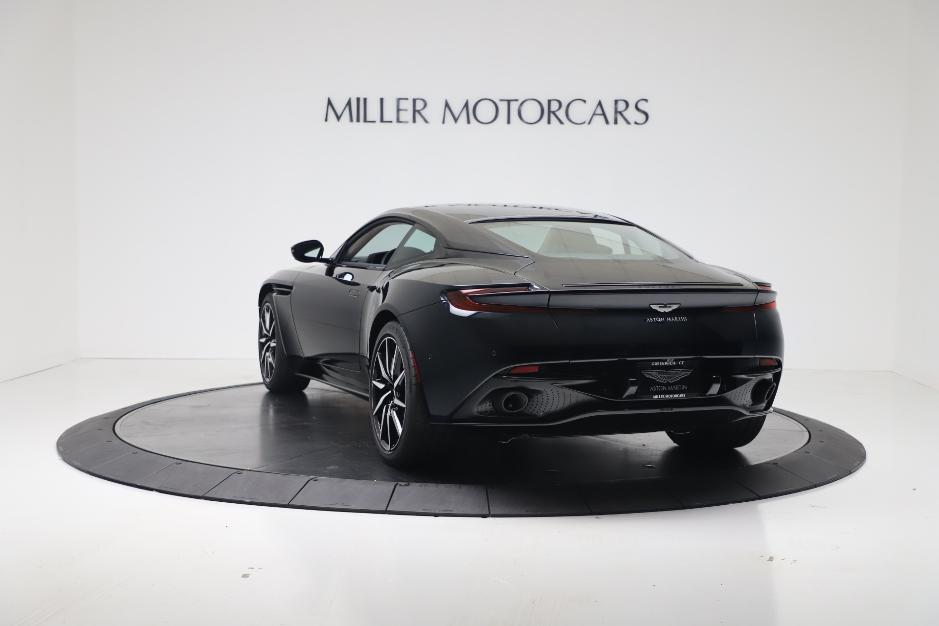 New 2020 Aston Martin Db11 V8 Coupe For Sale 237 996 Aston Martin Of Greenwich Stock A1423